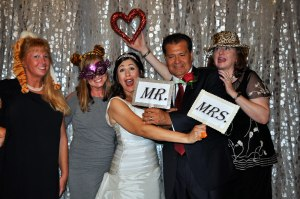 alt img-=photo booth rental
